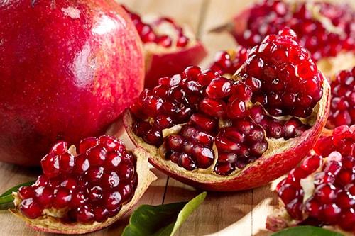 pomegranates-min